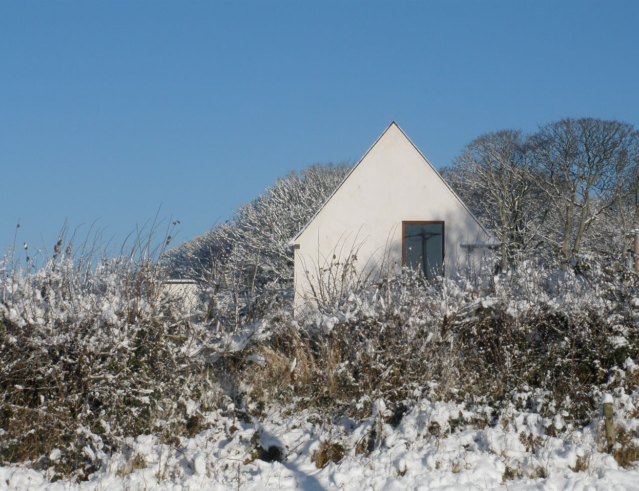 A high-function family dwelling with a low impact on the site and locality.