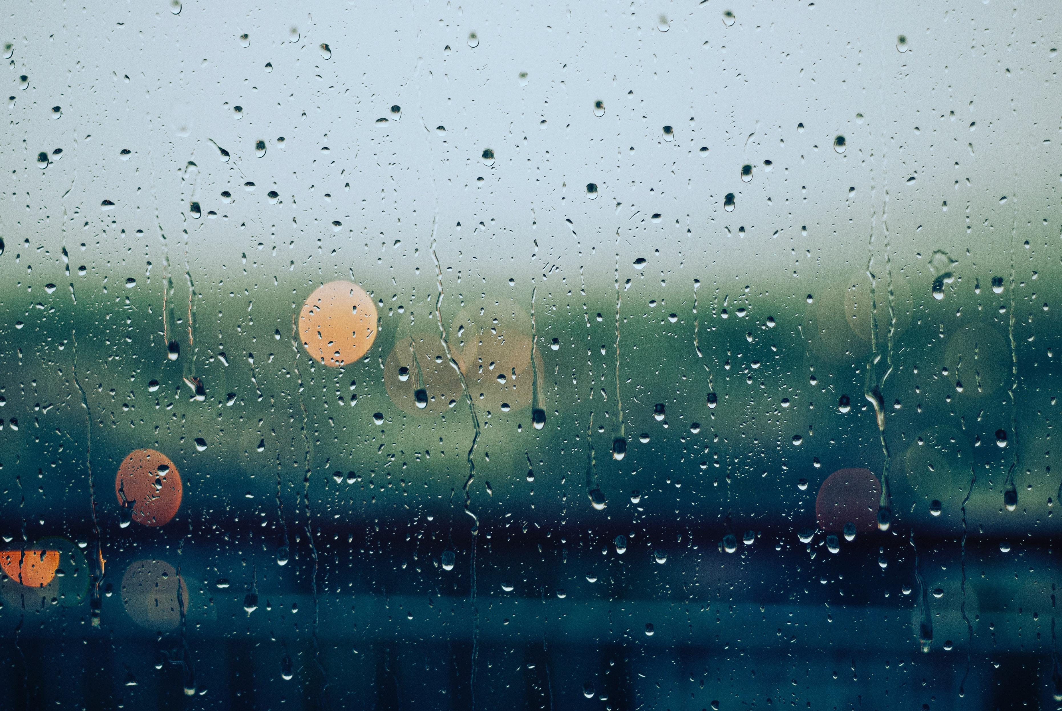 Las tormentas de verano son como los amantes que después de un tiempo se vuelven a chocar: