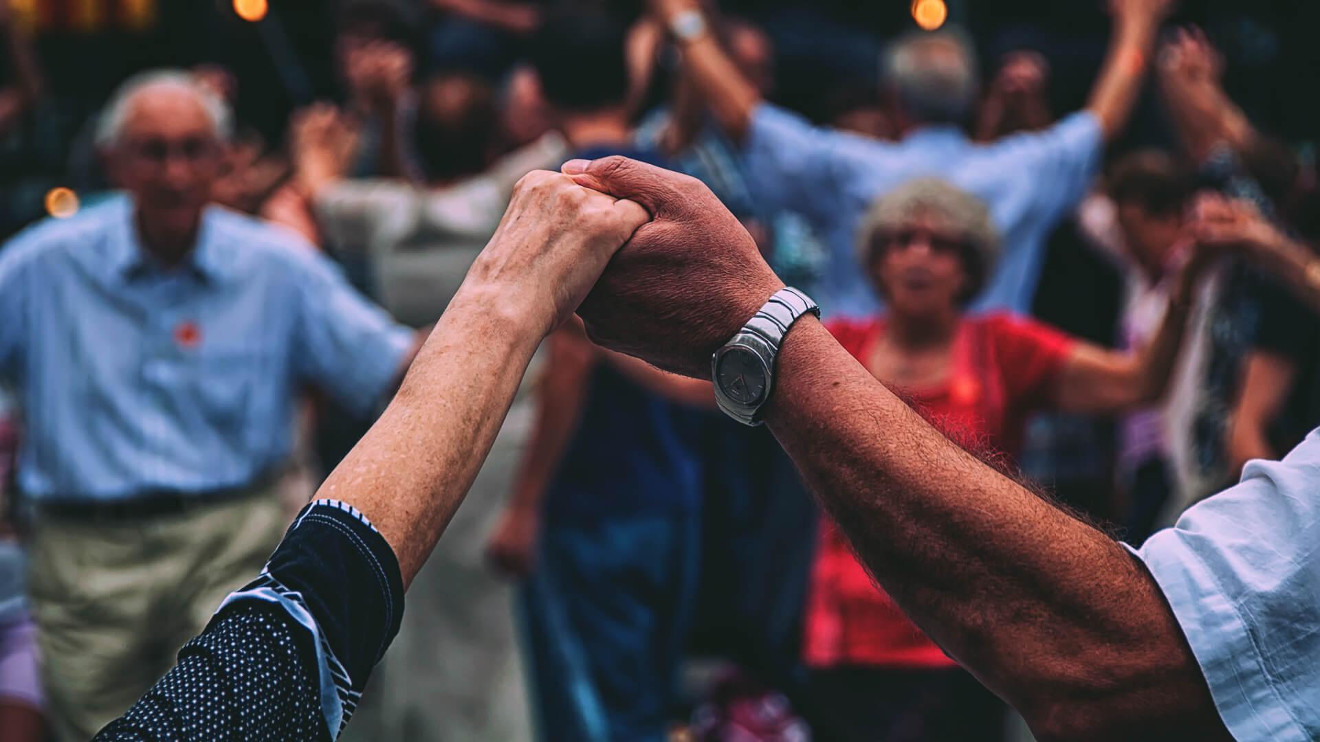 Setkání seniorů vkulturní místnosti