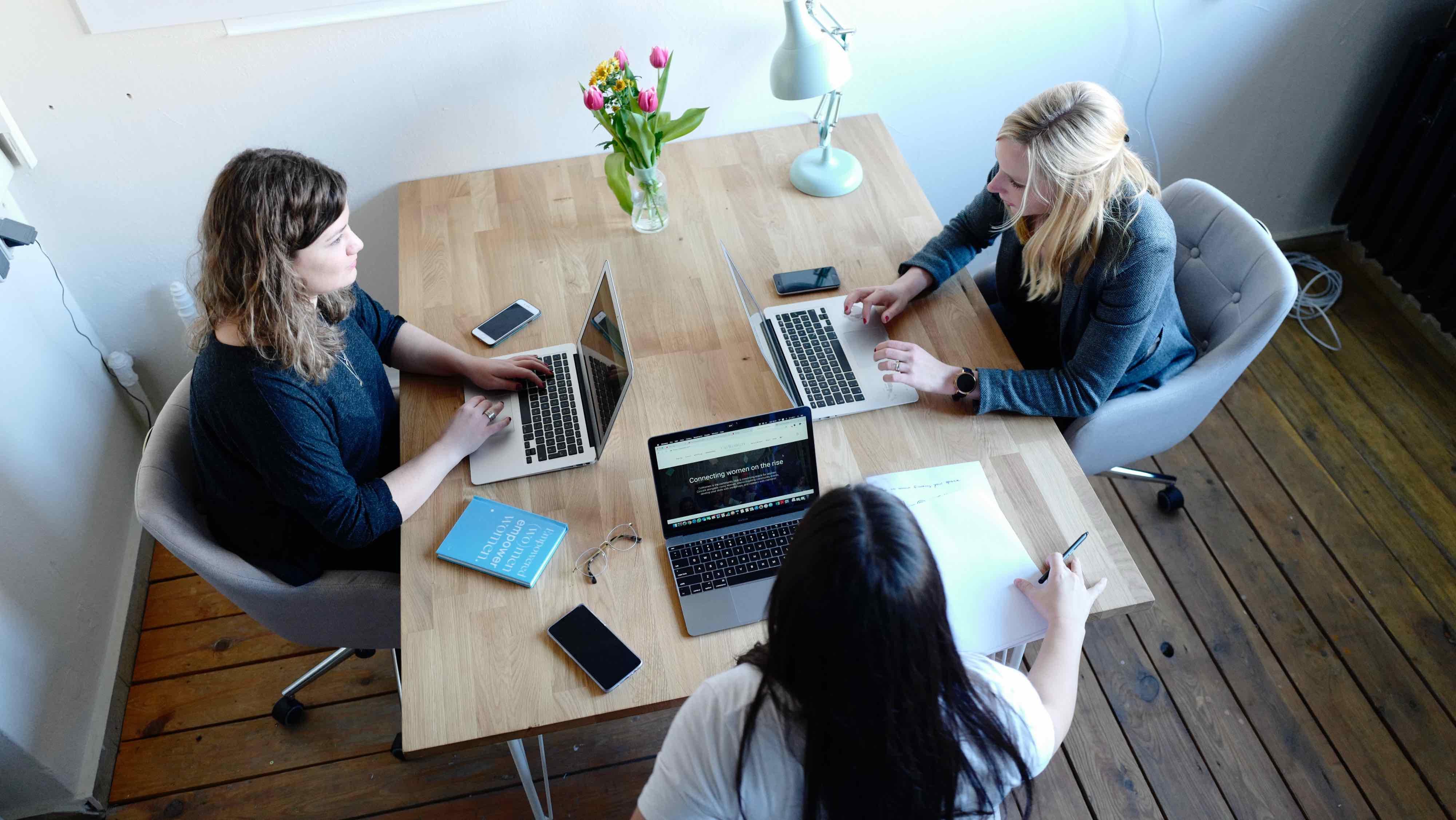 mit Kunden bei einem Workshop für die Content Strategie und User Experience einer Webseite
