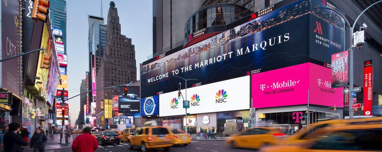 10 Most Breathtaking Digital Signage Installations in the World