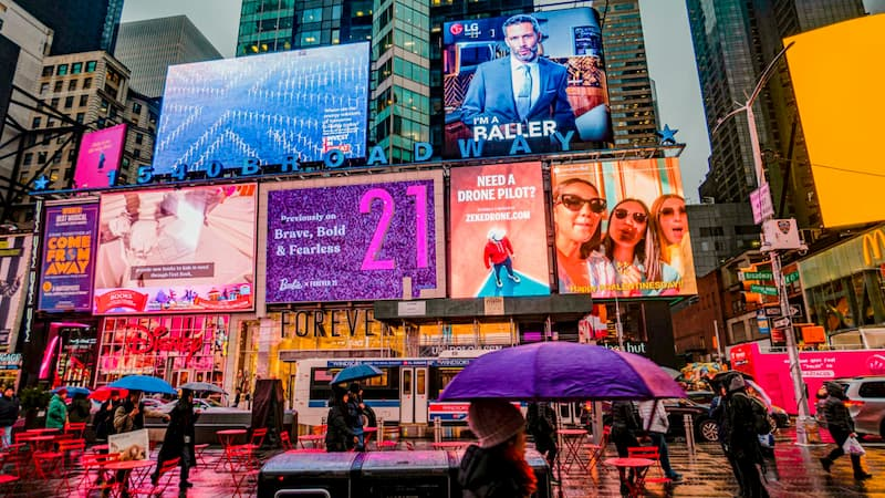 Indoor & Outdoor Advertising in the Era of Digital Transformation