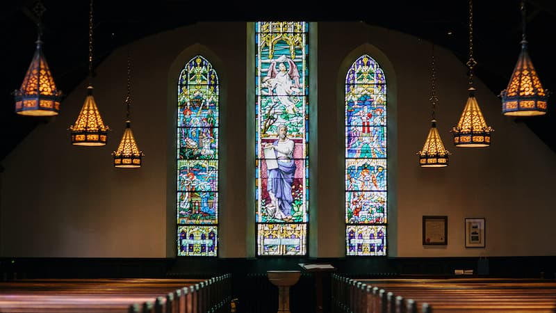 Digital signage for churches and places of worship: A new trend in community unification!