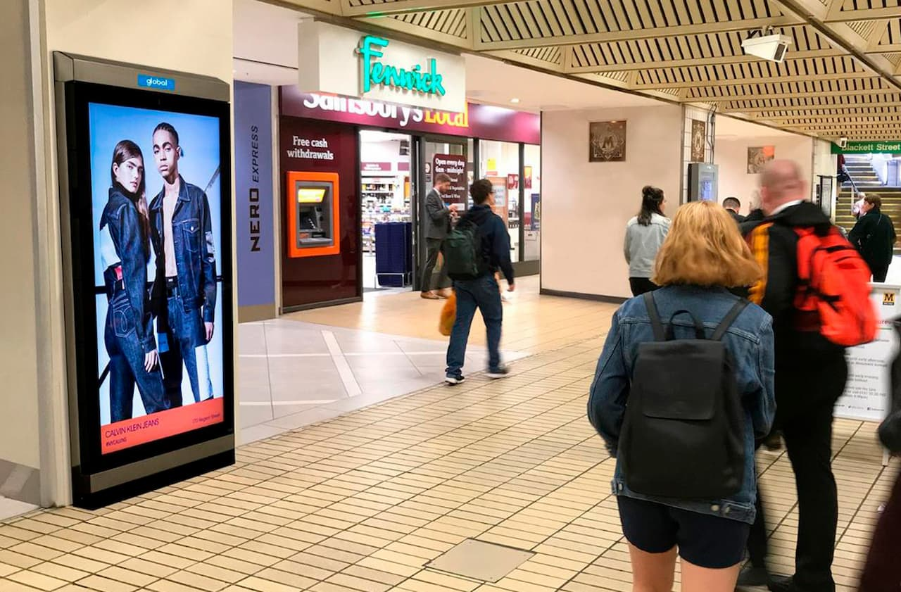 consumers make shopping decisions