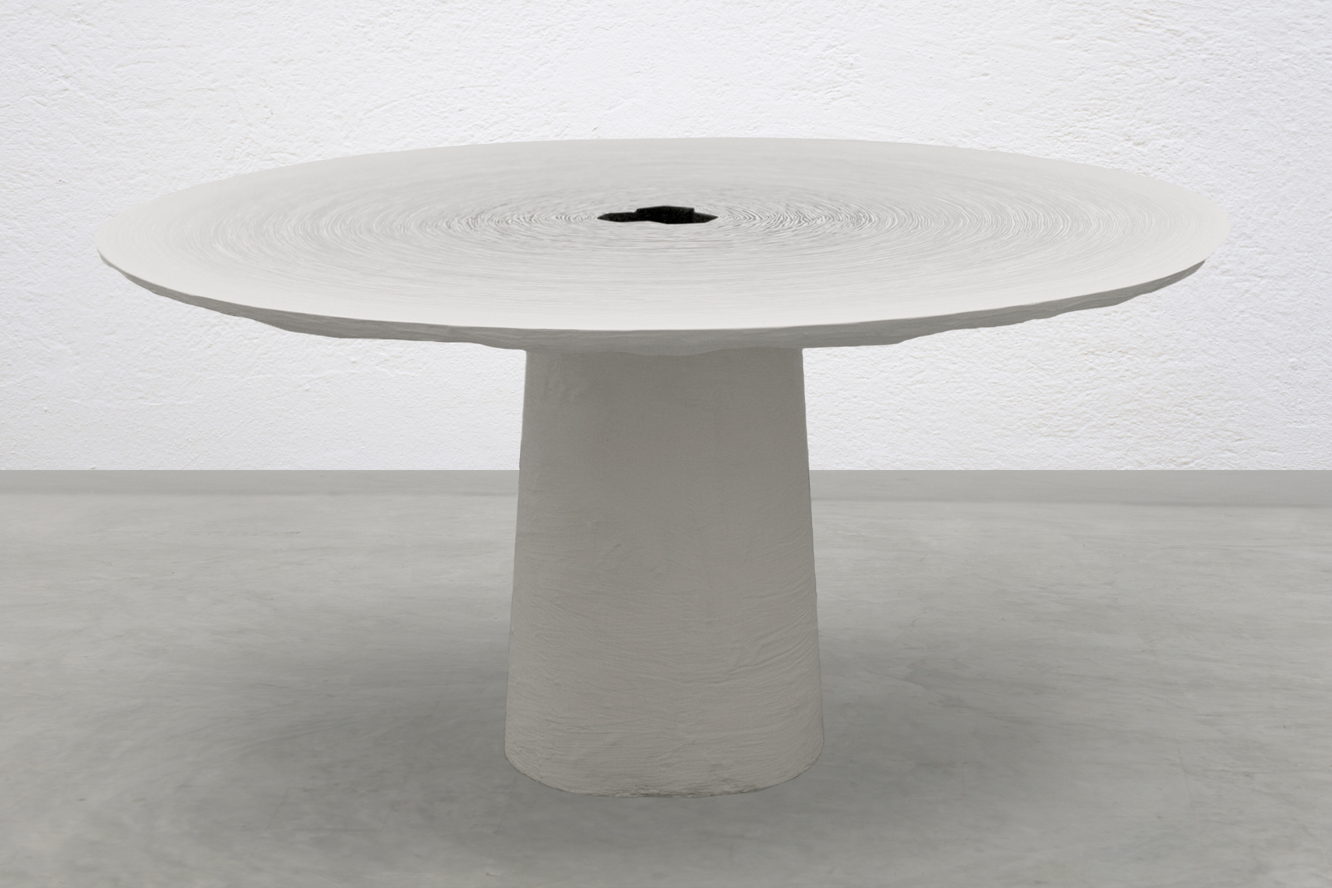 Fuzz Dining Table