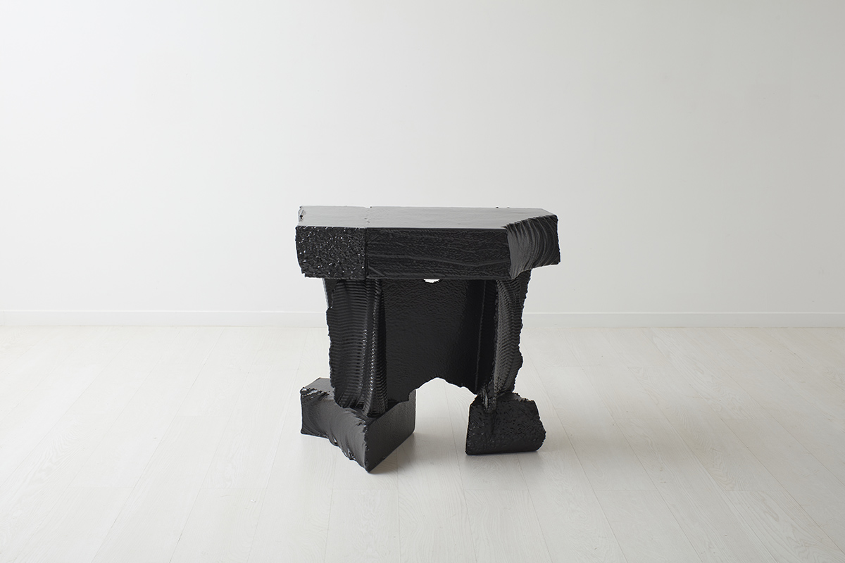 Poly Console (Black)