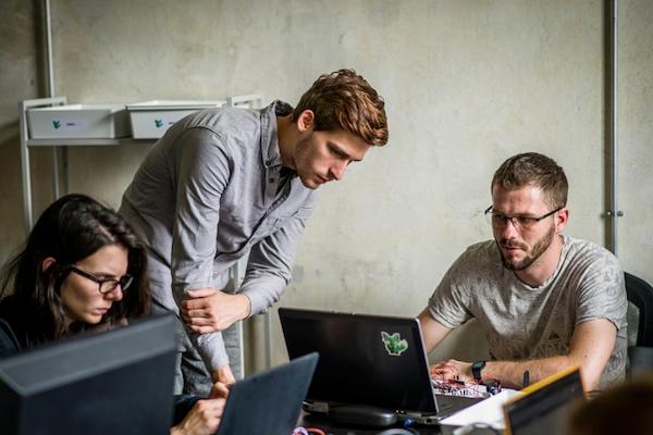 Najlepšie platené pracovné miesta na Slovensku: IT sektor vedie
