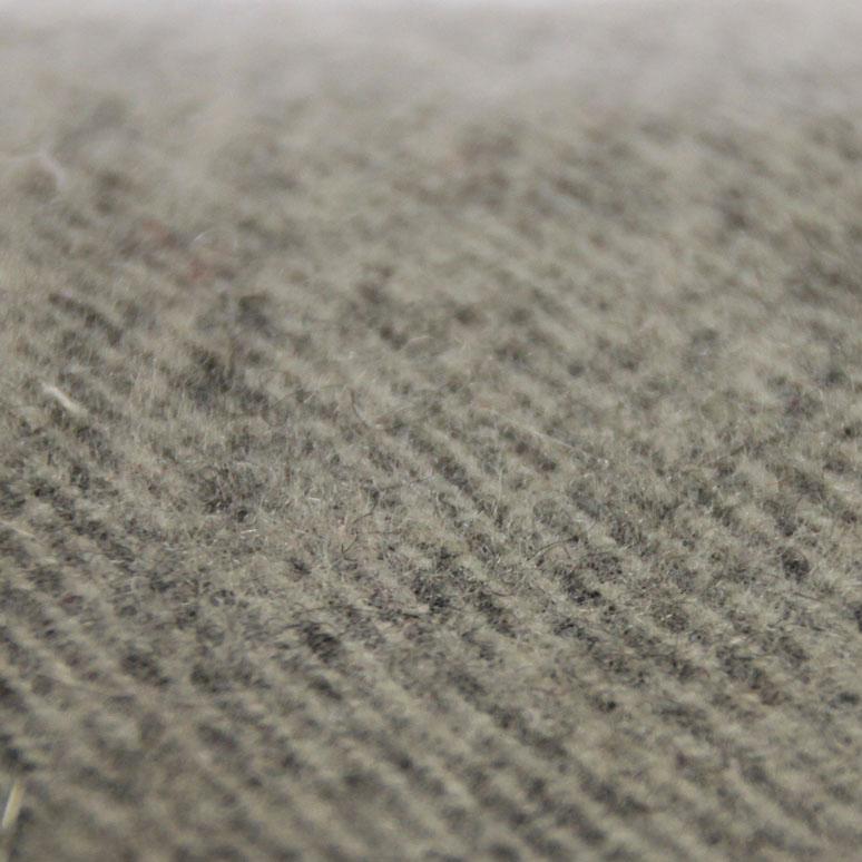 laines grises grattées tissées dans le Tarn
