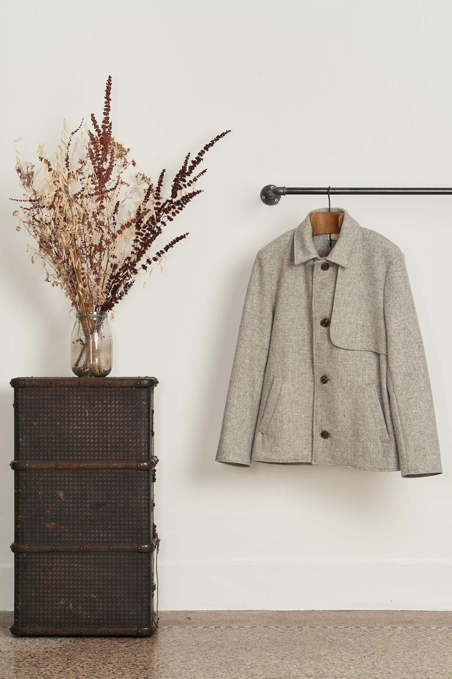 manteau court gris pour homme made in France en laines tissées en France