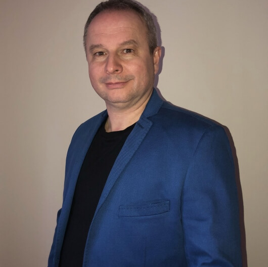 Dr Cezary Borowski