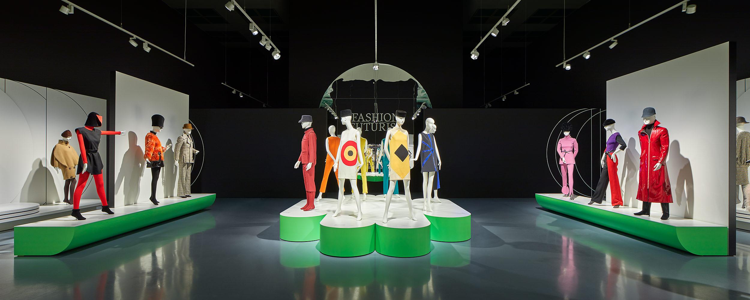 Architekturfotograf Düsseldorf, Pierre Cardin. Fashion Futurist, Donebyghosts, Kunstpalast, Düsseldorf