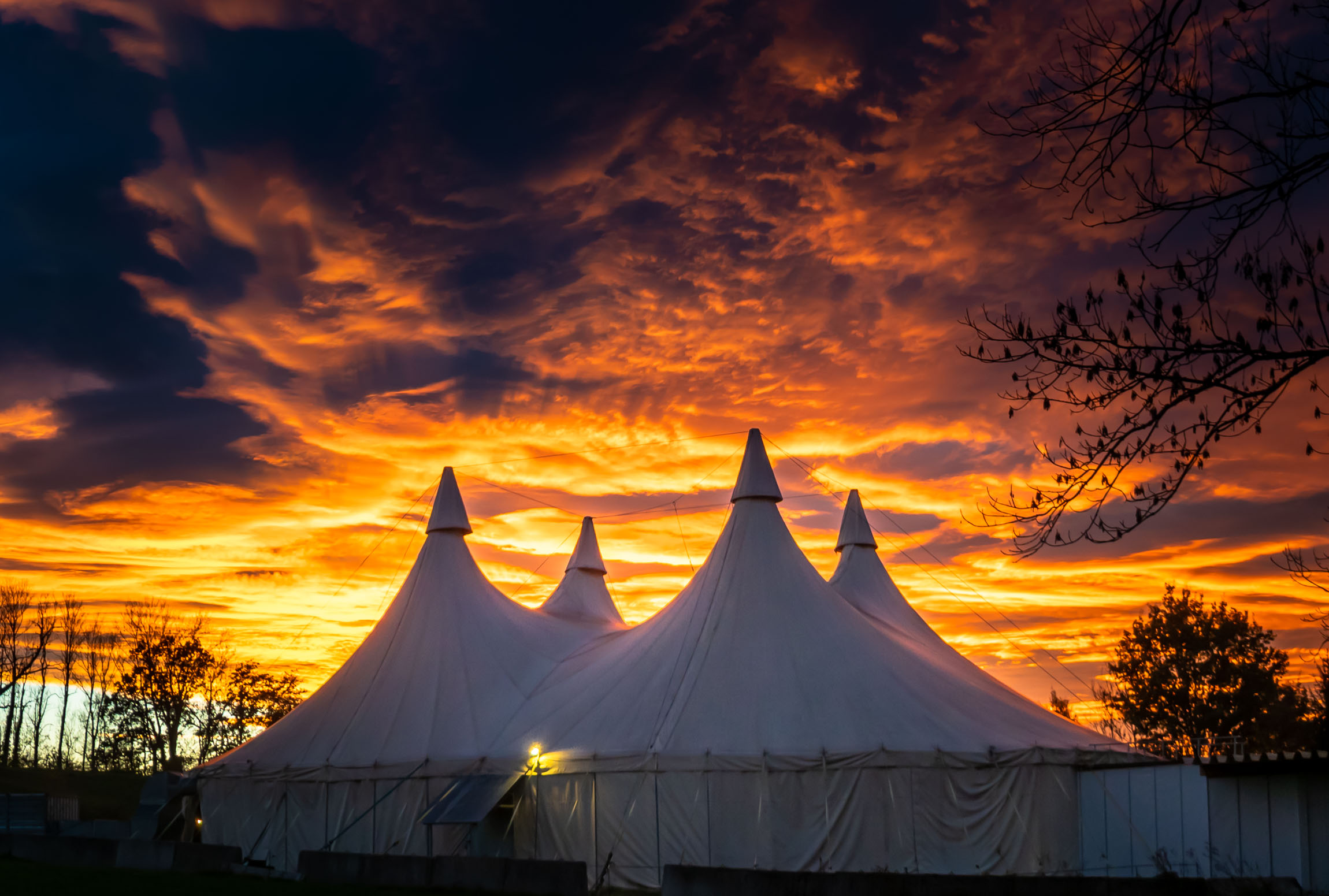 Sonnenuntergang Zelt