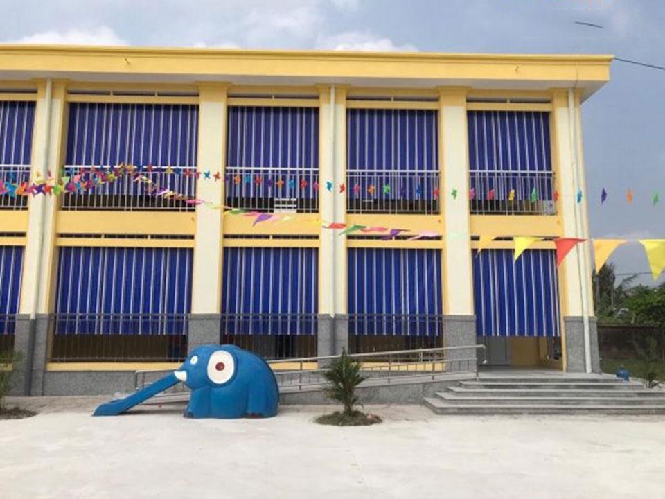 Bán Bạt Che Nắng Mưa Tự Cuốn Giá Rẻ tại Đà Nẵng