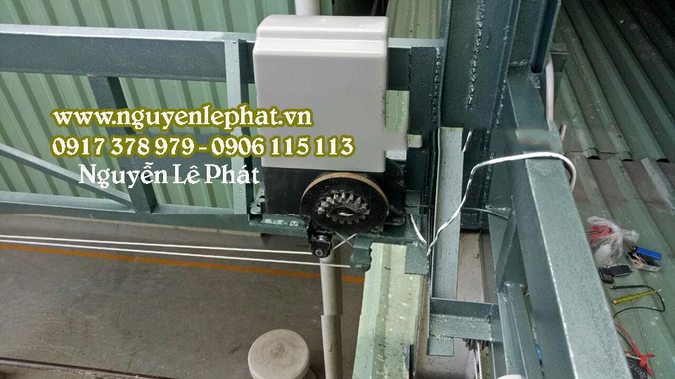 Cách lắp đặt mô tơ mái xếp bạt kéo, cung cấp mô tơ  mai che di động