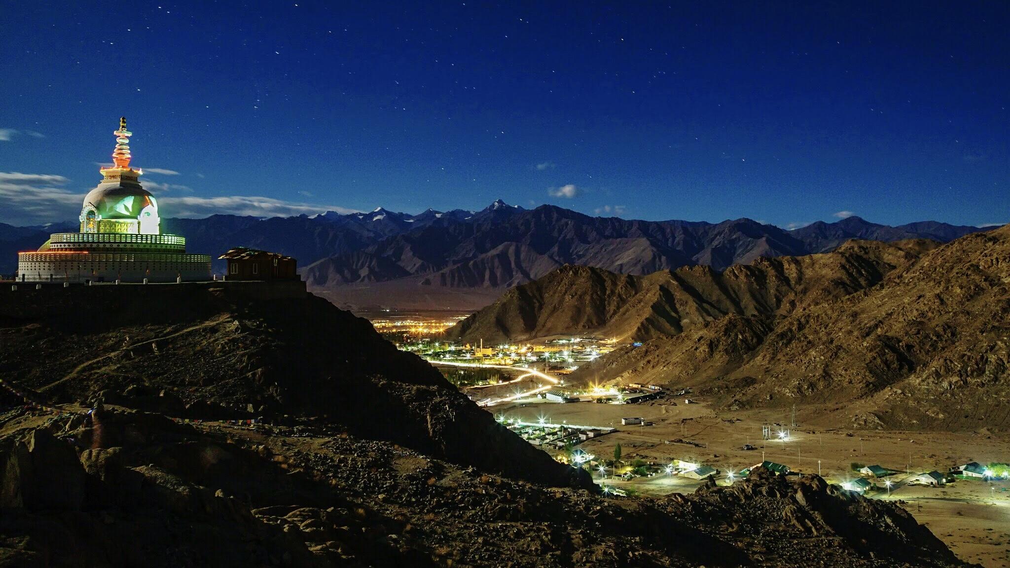 Leh valley at night
