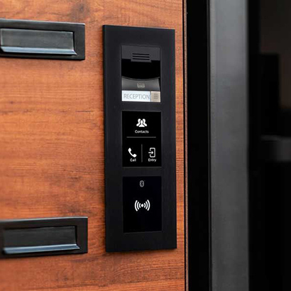 An IP Verso access control station.