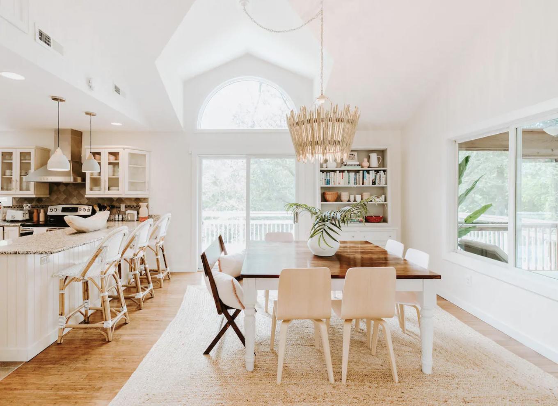 Hendersonville-Airbnb-Stay-Sponstayneous