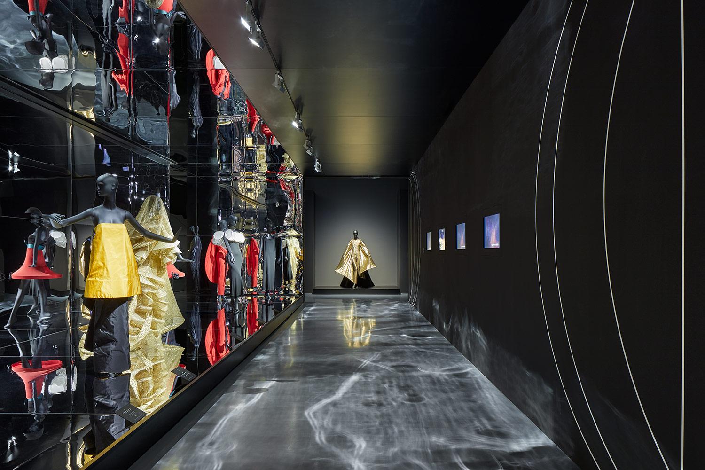 Ausstellung über Pierre Cardin für DONE BY GHOSTS © Philip Kistner