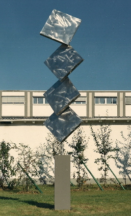 Column of Four Squares Excentric Gyratory II Variation I (1989)