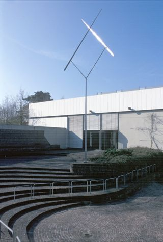Two Lines Oblique (1967-1969)
