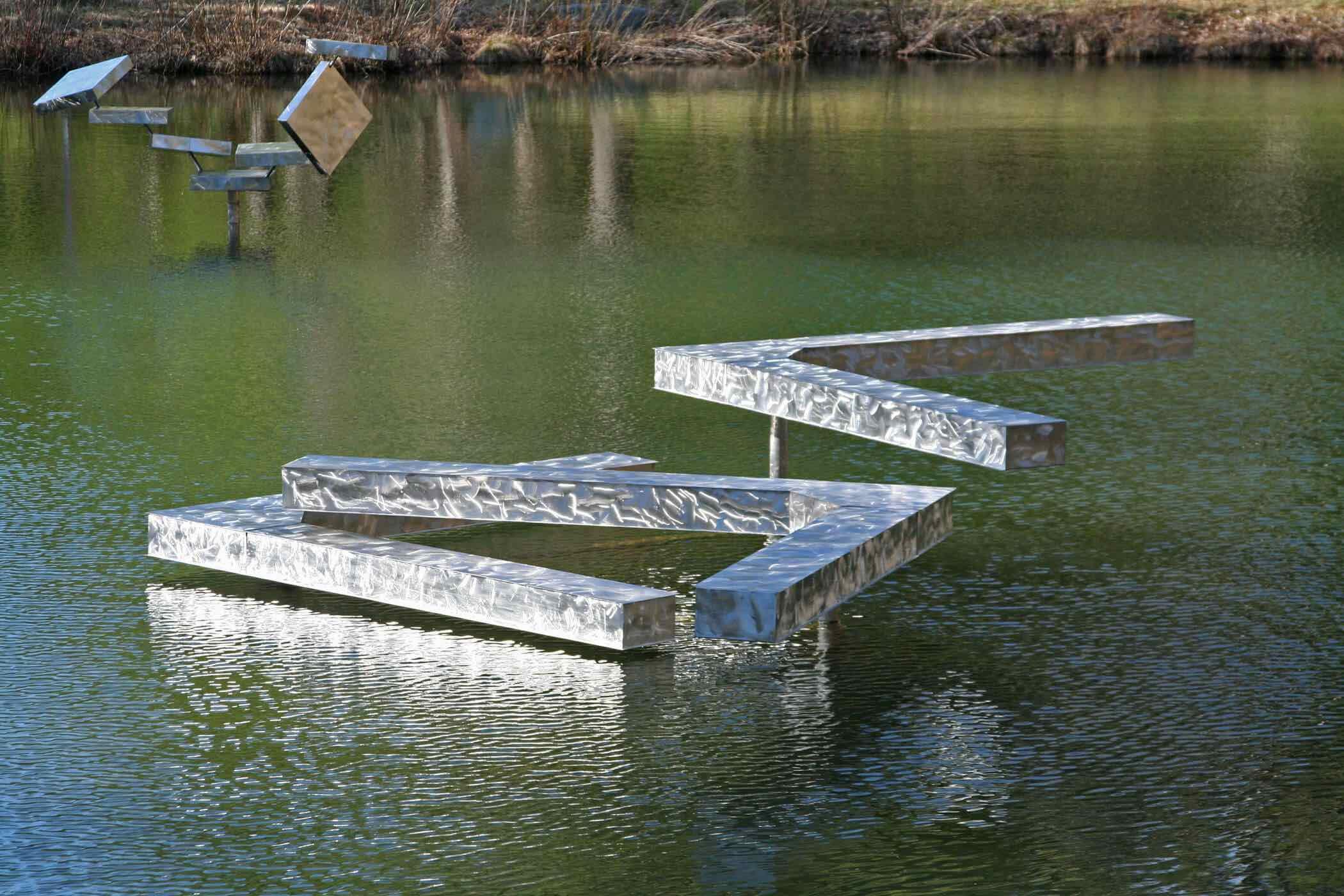 Three Right Angles Horizontal – IGA (Pond)