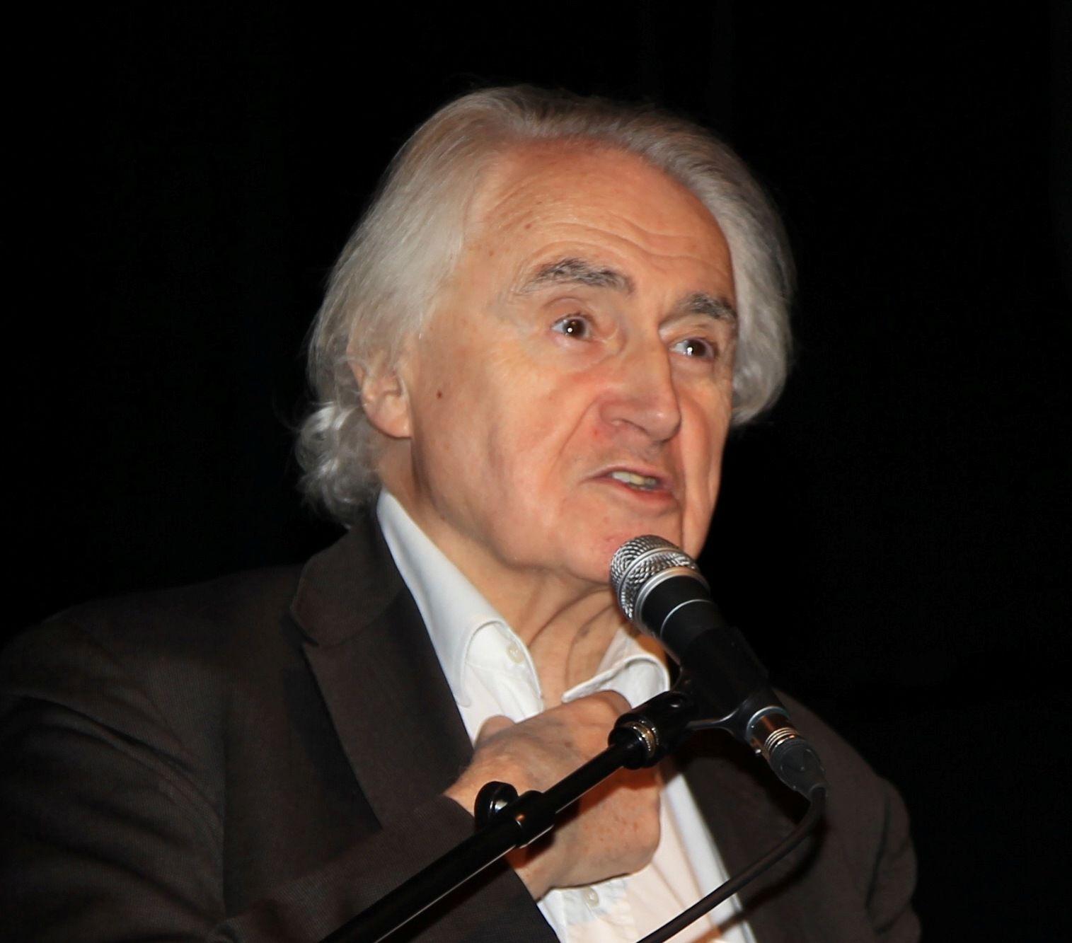 Marcel Desvergne, président de l'association des Lecteurs, Internautes et Mobinautes de Sud-Ouest soutient l'association Un Bout du Monde