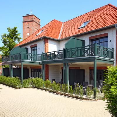 Unsere große Villa am Marienhof umfasst vier traumhaft schöne und neue Ferienwohnungen mit einer Größe von jeweils ca. 90 qm.