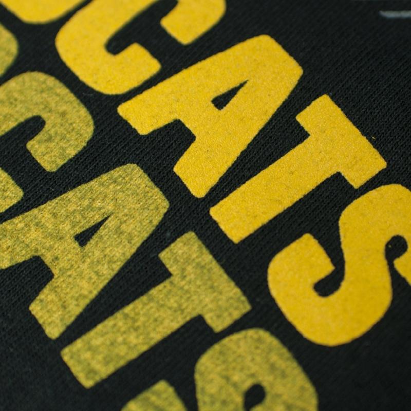 Underbase vs. no underbase Inkline Printing Columbus Ohio Screen printing Ohio Custom printed shirts