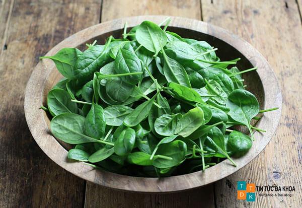 Những tác dụng của rau bina đối với sức khỏe