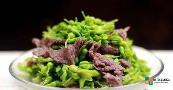 Thịt bò xào hoa thiên lý cải thiện xuất tinh sớm