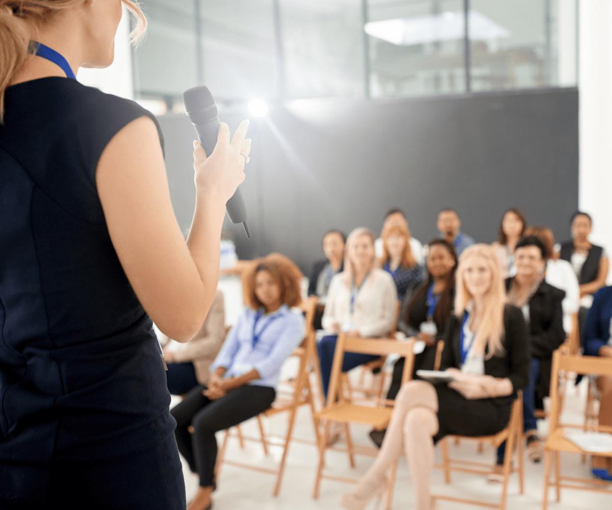 Entraînement à la prise de parole en public