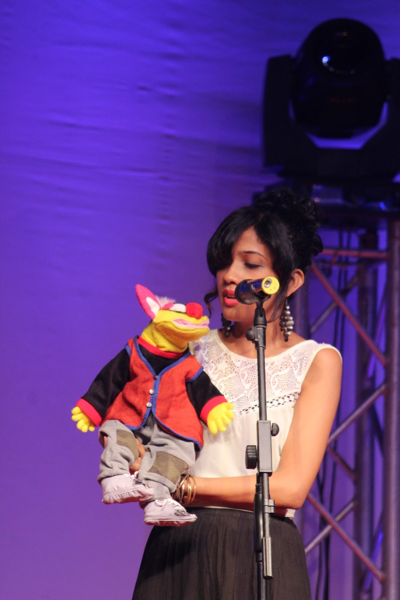 Singing Ventriloquism with Yoko