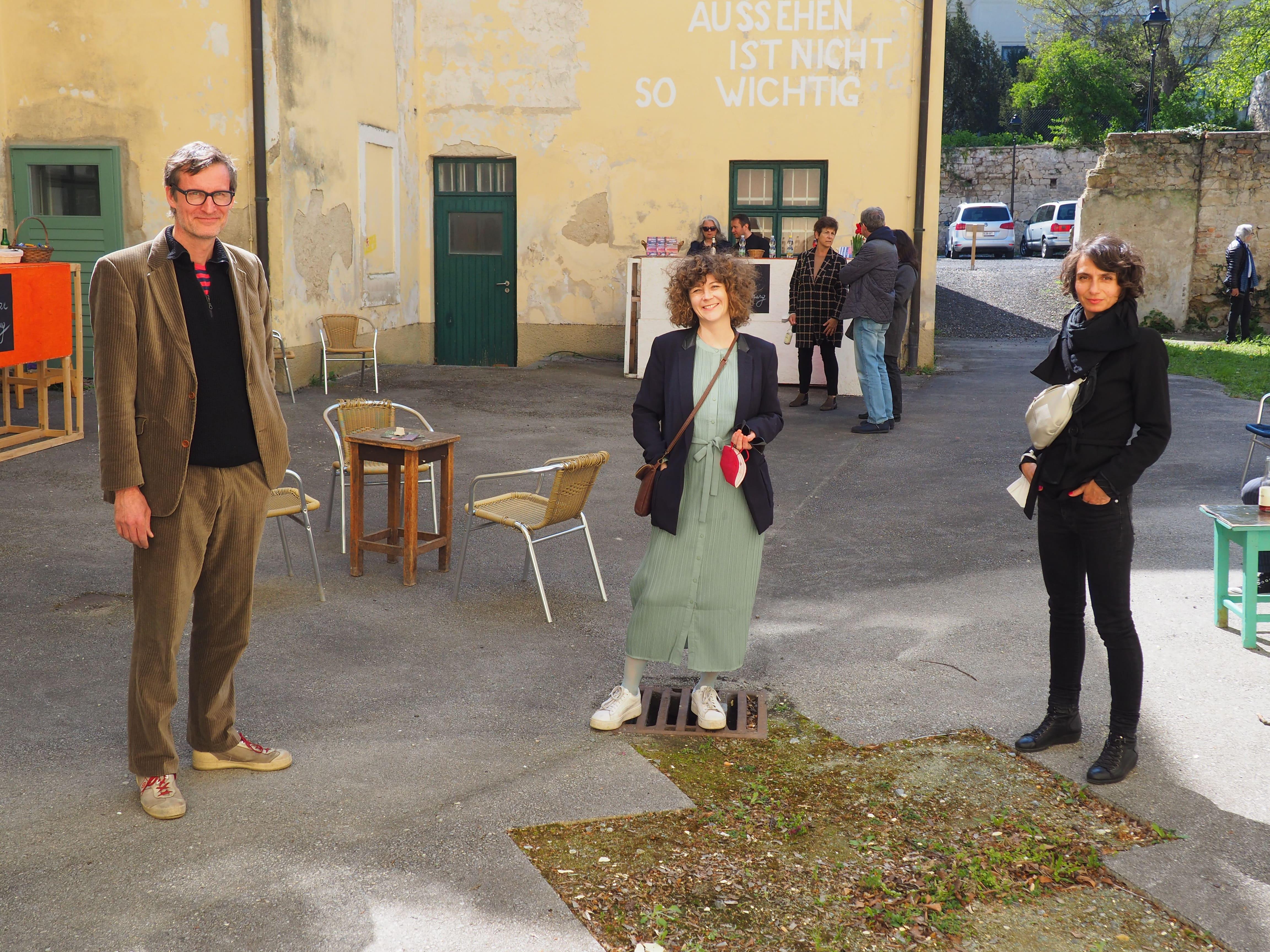 Florian Reese und Gabriele Ludescher (Atelier 10, Wien) und Barbara Horvath (Mitte)