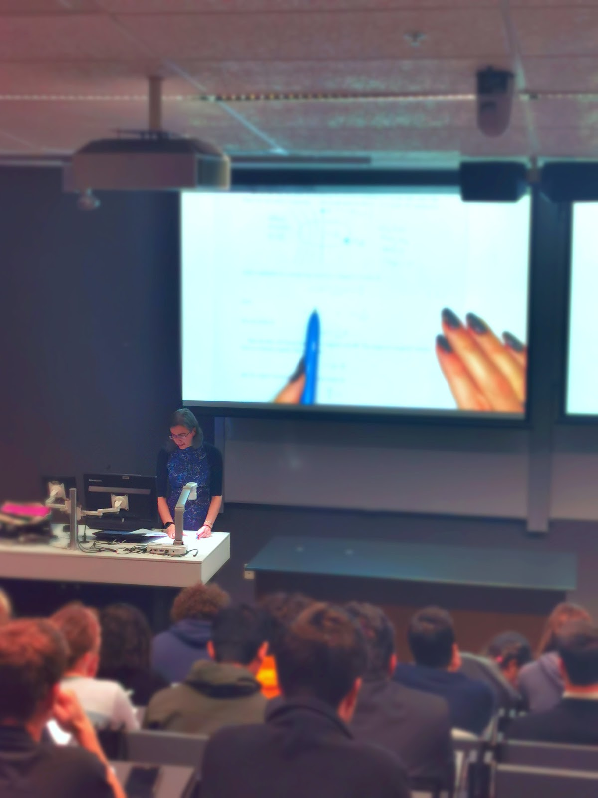 JJ lecturing students on quantum mechanics. Credit: Heloise Stevance