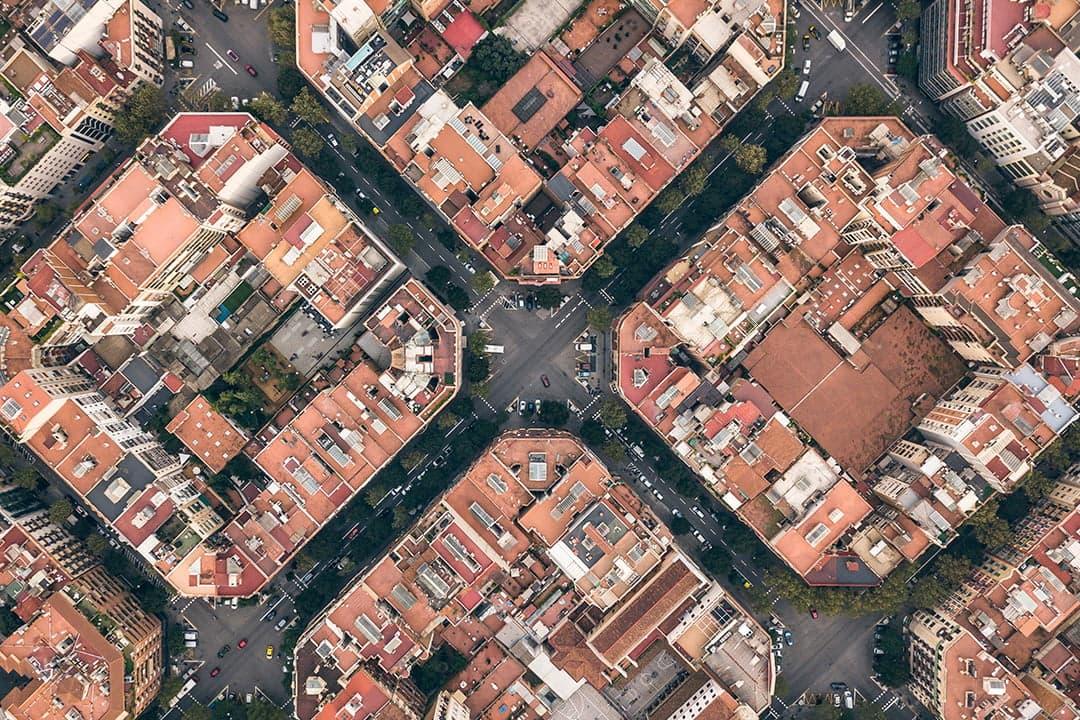 Limitaciones a la transmisión de inmuebles en la ciudad de Barcelona: Derecho de tanteo y retracto de la administración catalana