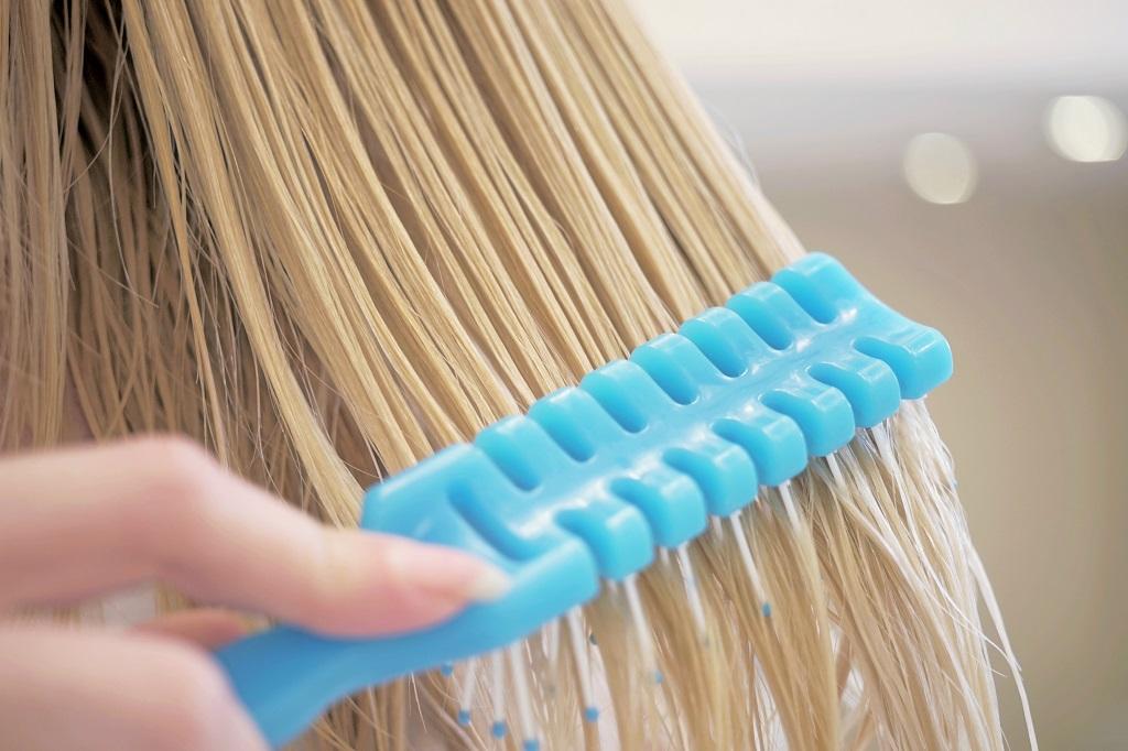 Wet Combing Lice Treatment