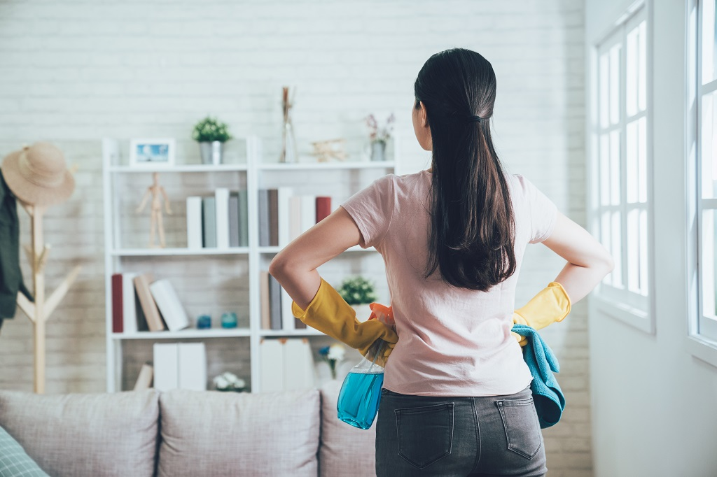 How to Clean House After Finding Lice