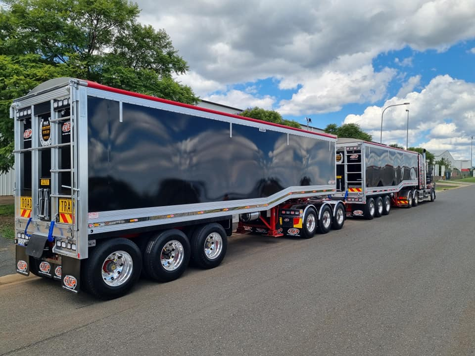 30mtr Drop Deck A Double Road Train for R&K Bulk Haulage