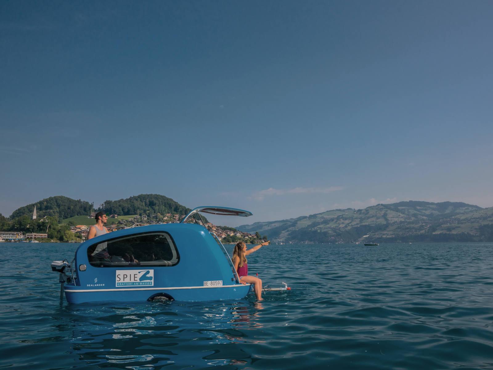 Sealnder mit 2 Personen auf See