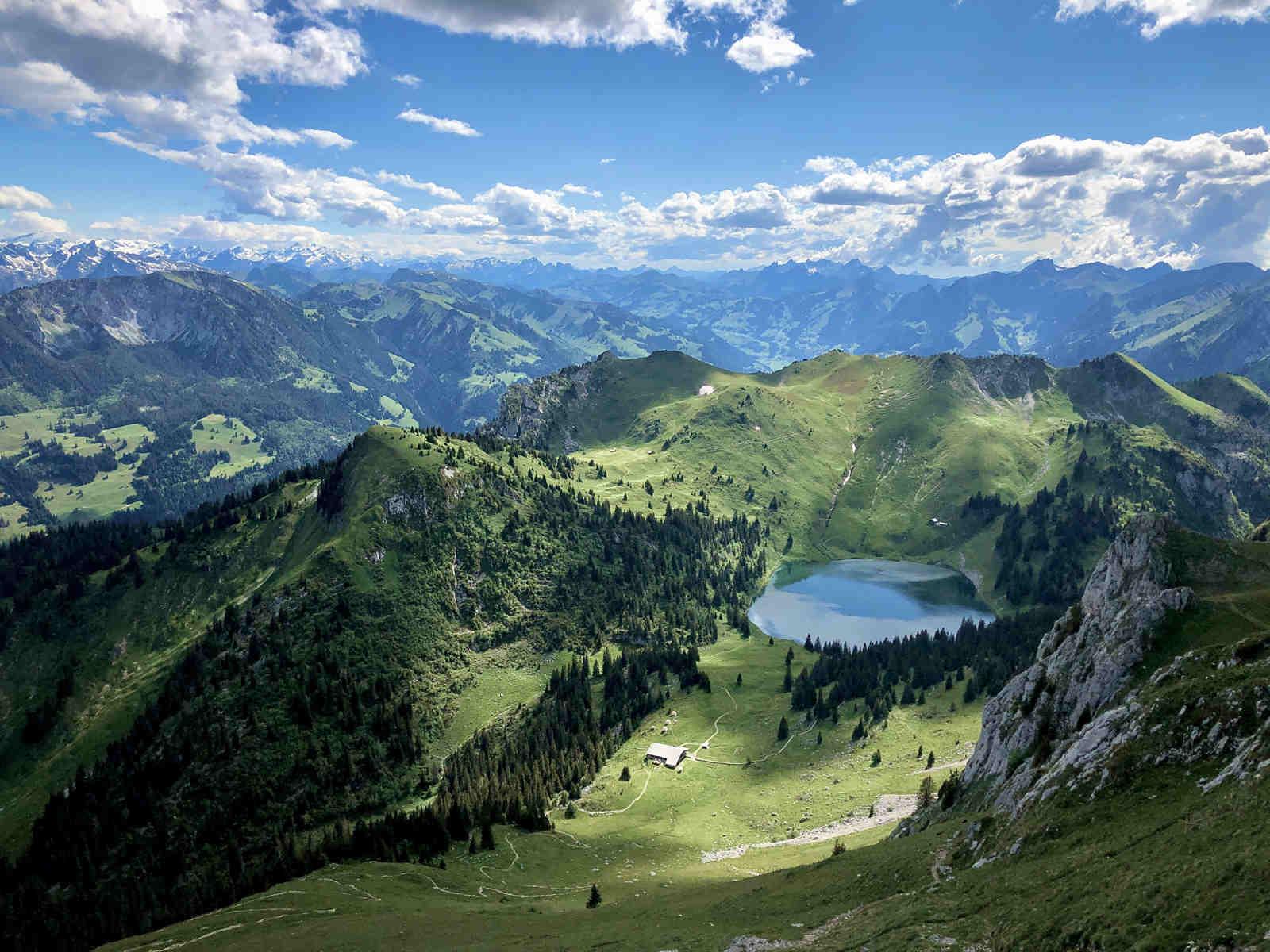 Berglandschaft mit See
