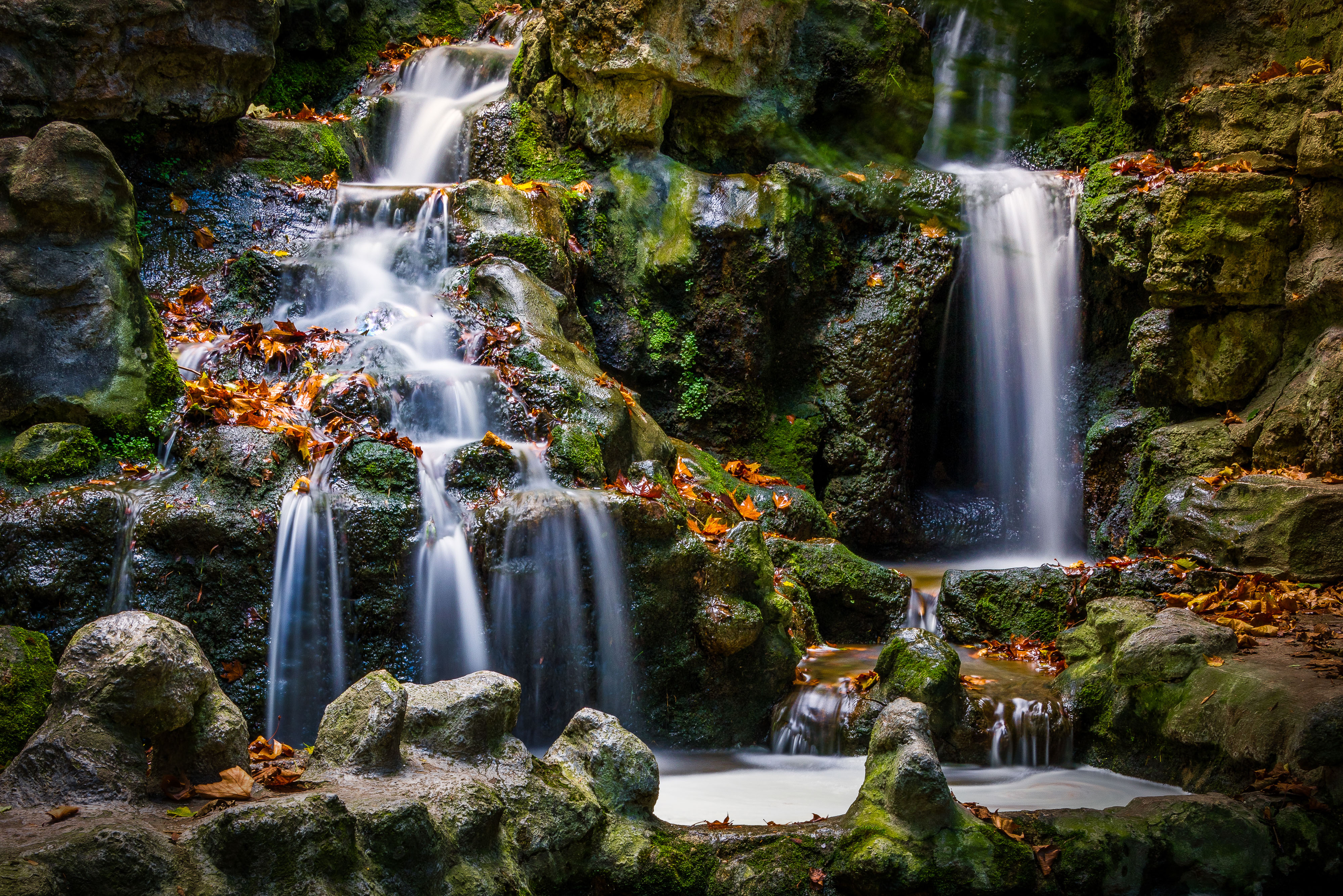 A long exposure (25 seconds) of a Waterfall located in France to get the silky effect