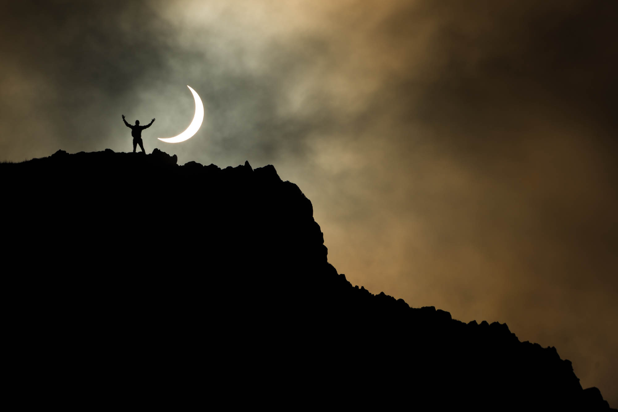 Edinburgh solar eclipse 2015 at Salisbury Crags