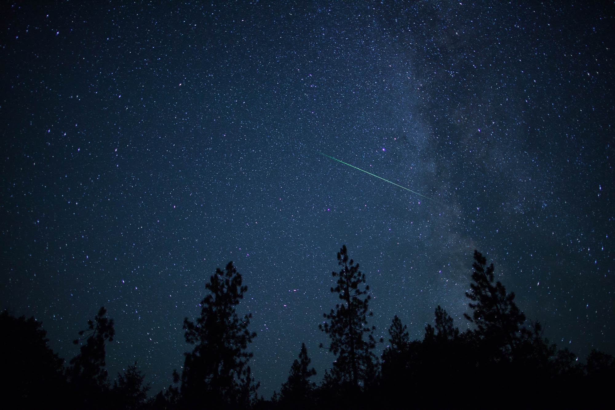 Delta Aquarid meteor with the Milky Way in this spectacular night sky shot, Oregon.