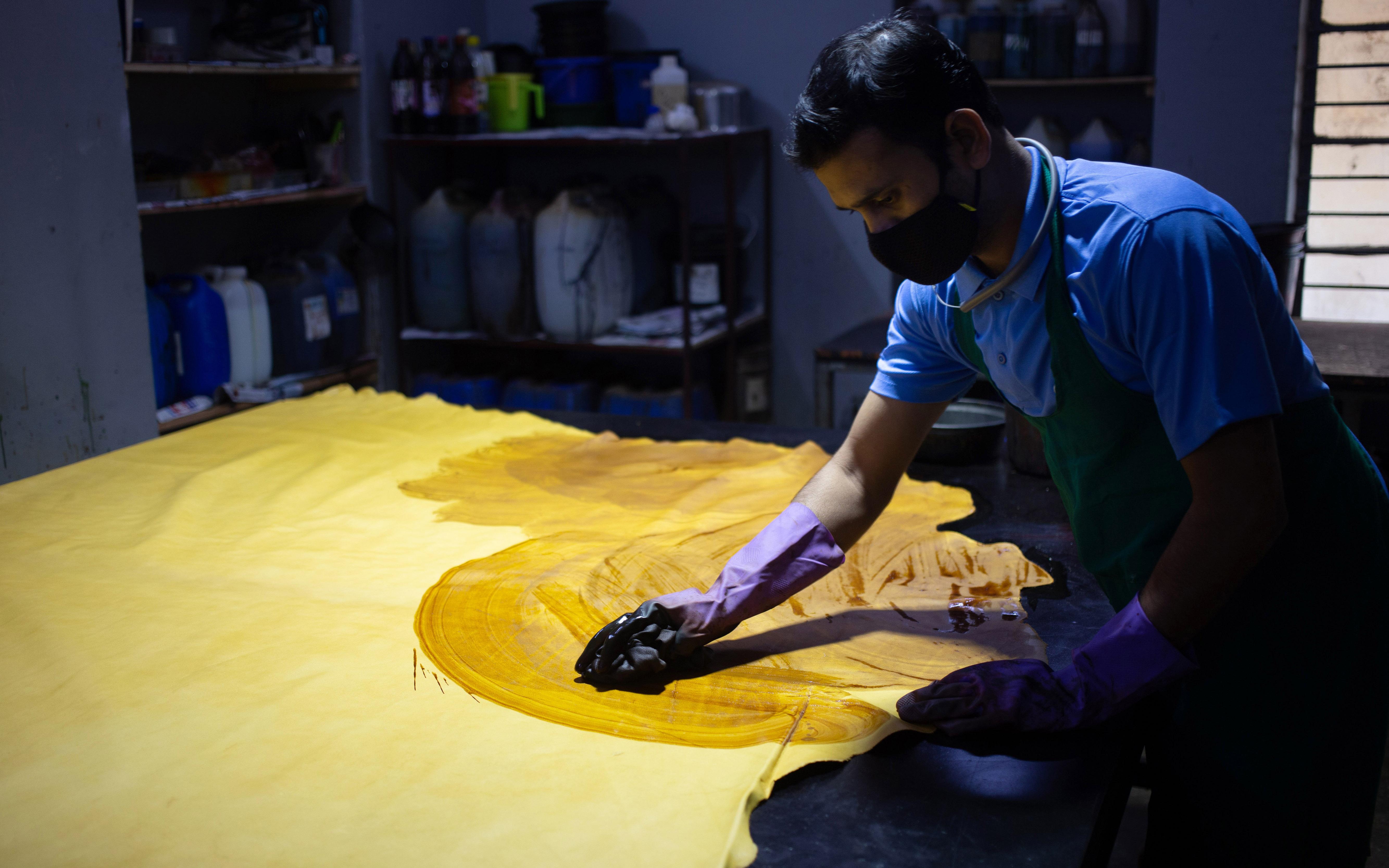 leather polishing