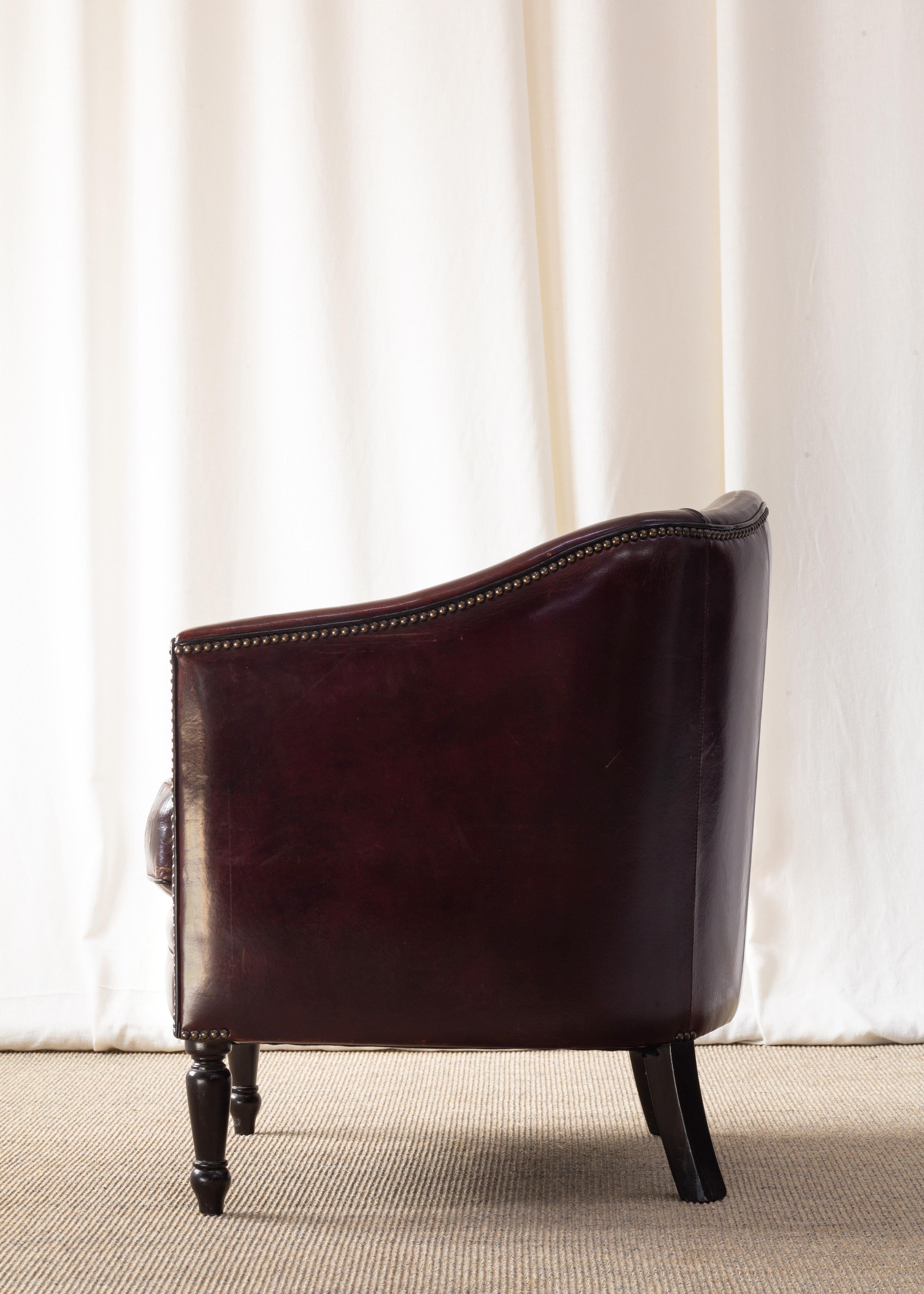 single armchair leather