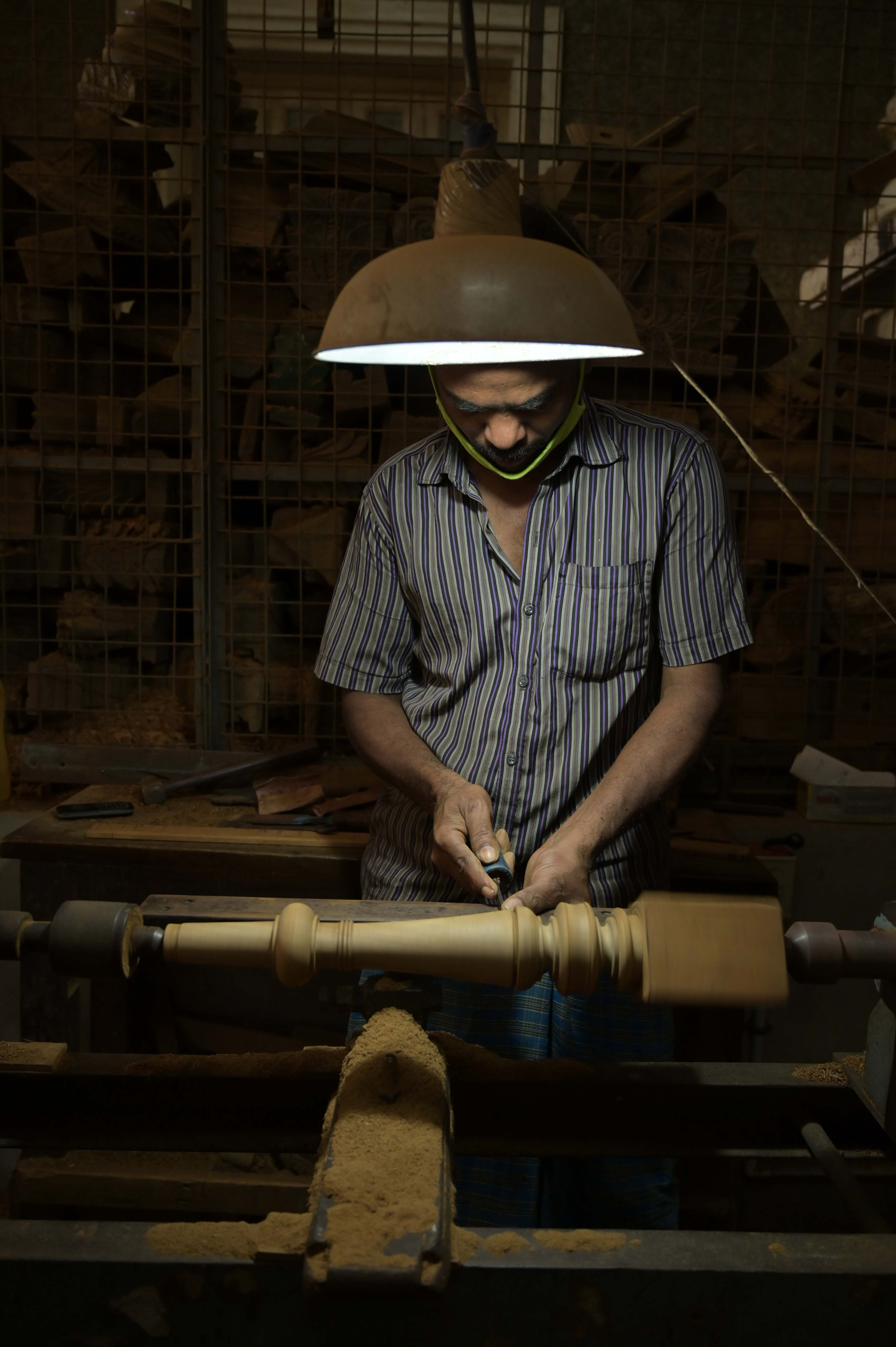 turning teak wood for classic furniture