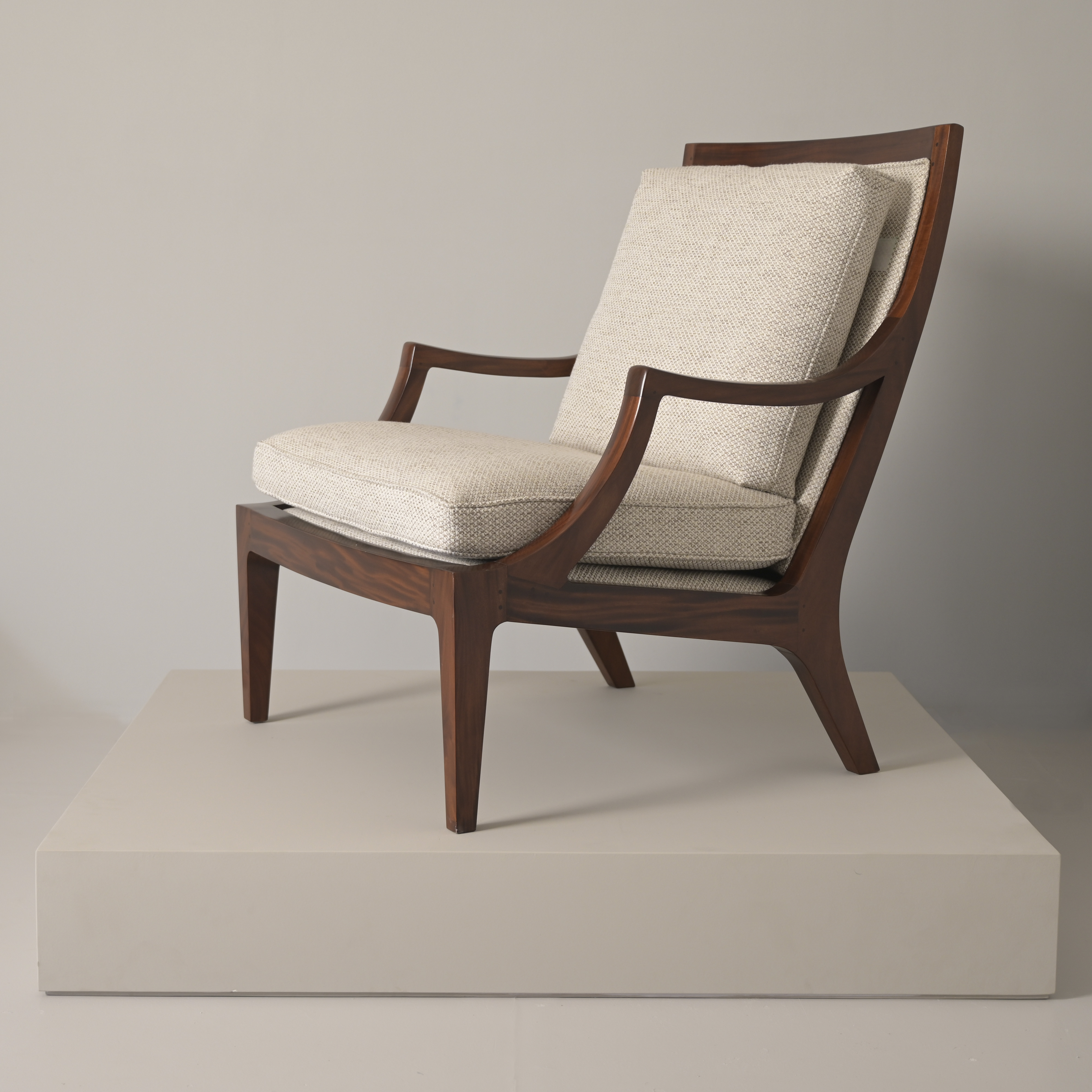Crescent armchair