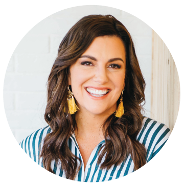 Amy Porterfield smiles