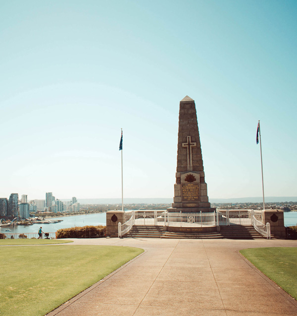 Statue looking over Perth's harbour