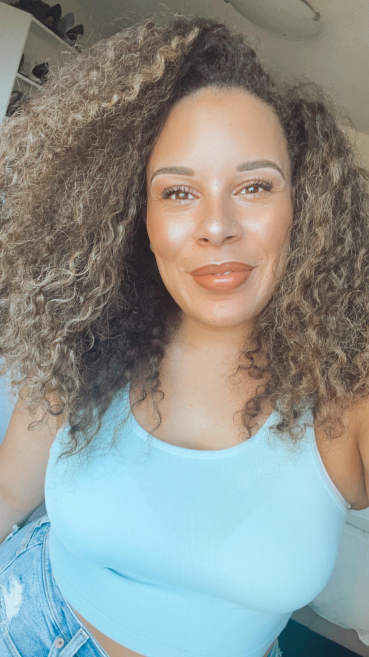 The Journey To Self-Acceptance w/Creative & Entrepreneur Cleo Ellis
